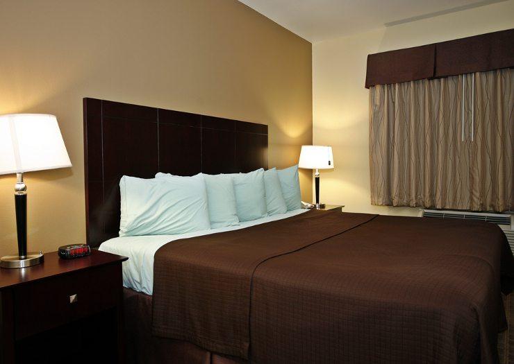 Einladend und gemütlich sollte ein Bett sein. (Bild: © GSPhotography - shutterstock.com)