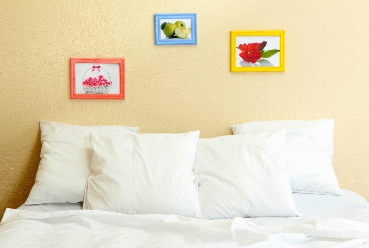 Ein kuscheliges Bett bringt erholsamen Schlaf. (Bild: © Africa Studio - shutterstock.com)
