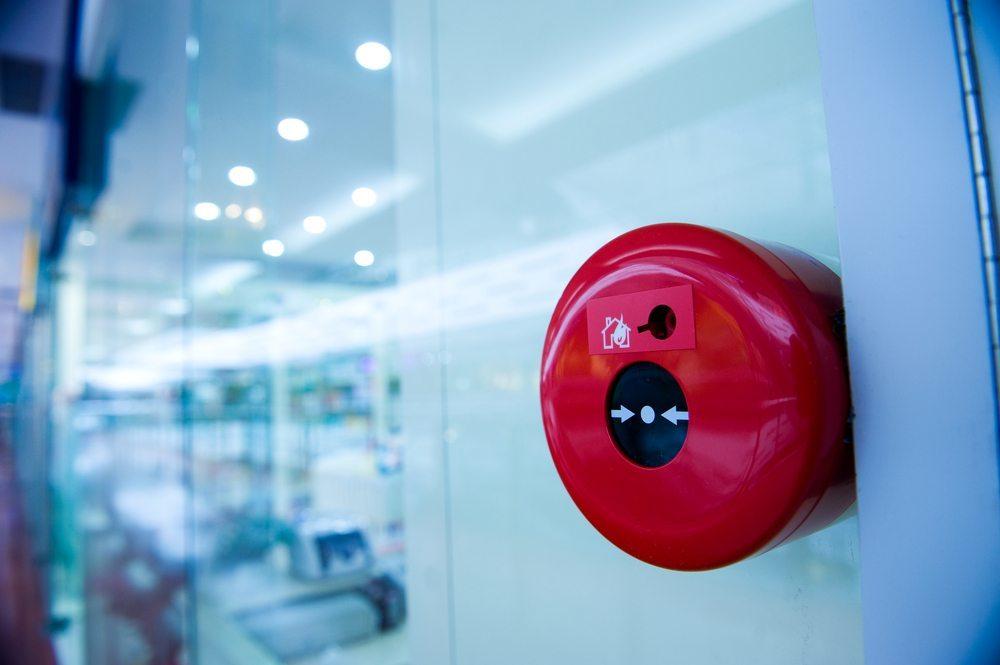 Alarm auslösen. (Bild: hxdbzxy / Shutterstock.com)