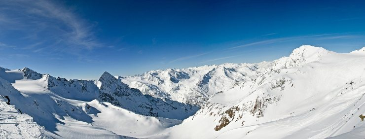 Das Kinderhotel Alpenrose bietet traumhafte Skiferien. (Bild: © ARochau - Fotolia.com)