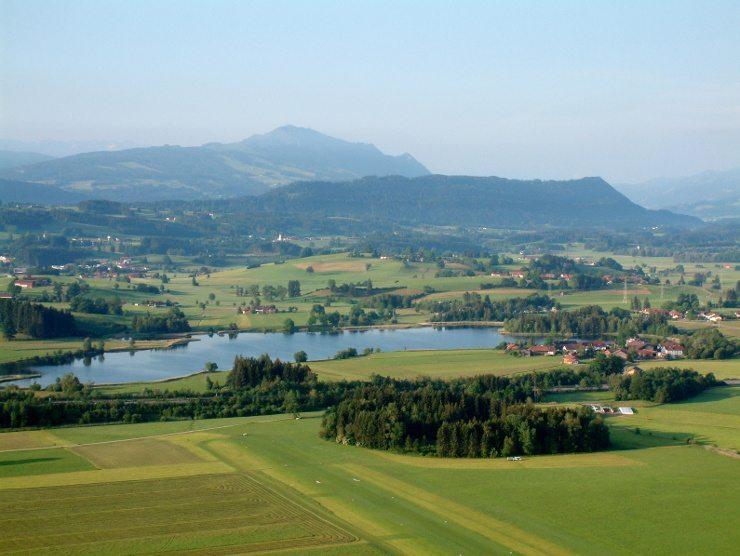 Tolle Ferien für die ganze Familie bietet das Kinderhotel Oberjoch. (Bild: © kaschwei - Fotolia.com)