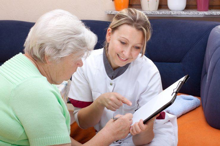 Die SP setzt sich für eine öffentliche Krankenkasse ein. (Bild: © Miriam Dörr - Fotolia.com)