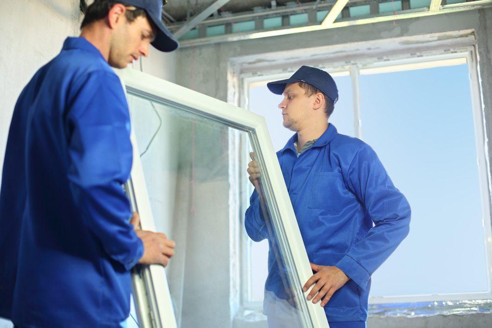 Wenn Sie sich für die Sicherheit Ihrer Kinder entschieden haben, so achten Sie darauf, bei mehreren Fenstern, die abzusichern sind, Sets zu kaufen. (Bild: Pavel L Photo and Video / Shutterstock.com)