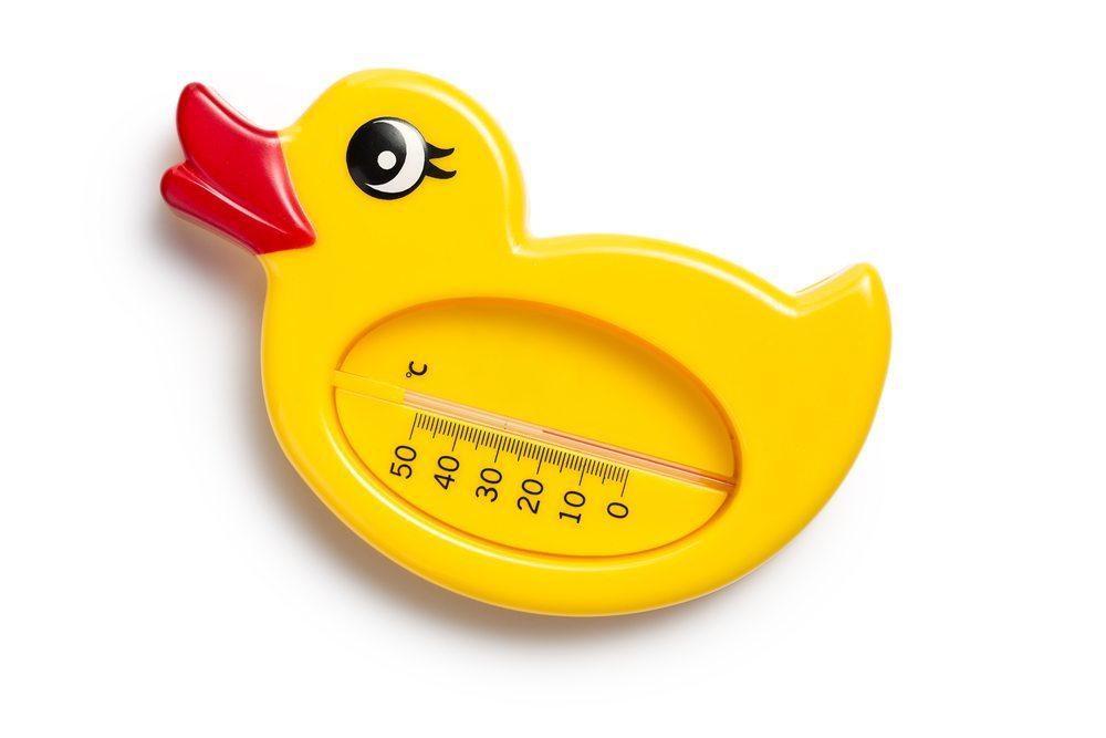 Geeignete Badethermometer sind nach wie vor einfach unersetzlich. (Bild: Jiri Hera / Shutterstock.com)