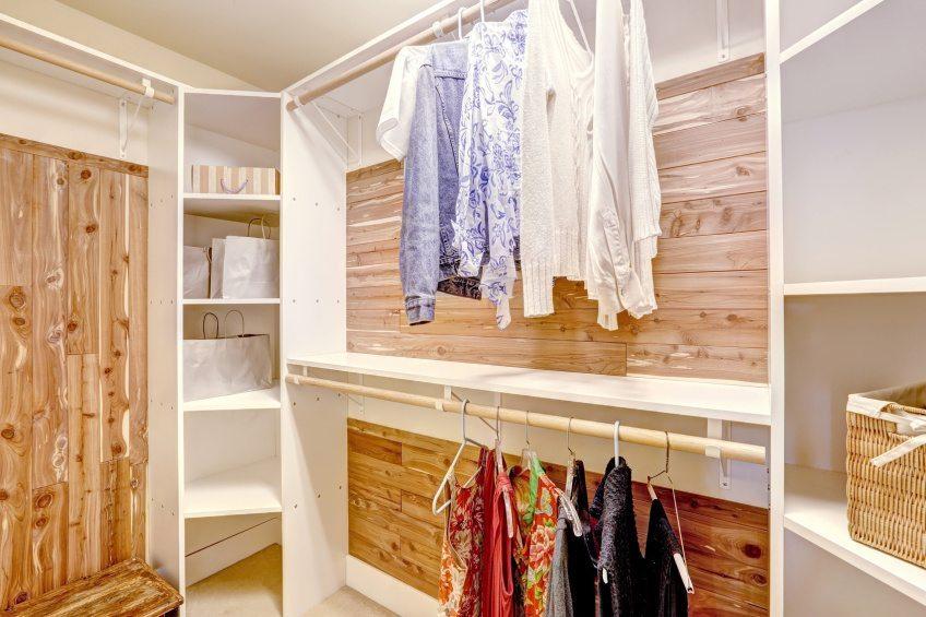 Offener kleiderschrank in kleinem zimmer  Kleider richtig verstauen › haushaltsapparate.net