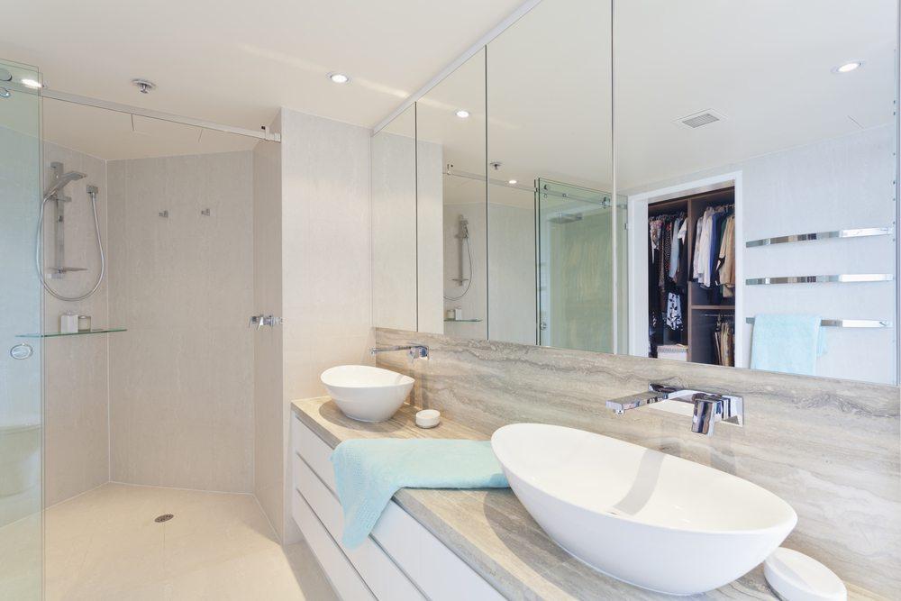 Dusche Ohne Tur Erfahrung: Begehbare dusche mit duschwand aus glas ...