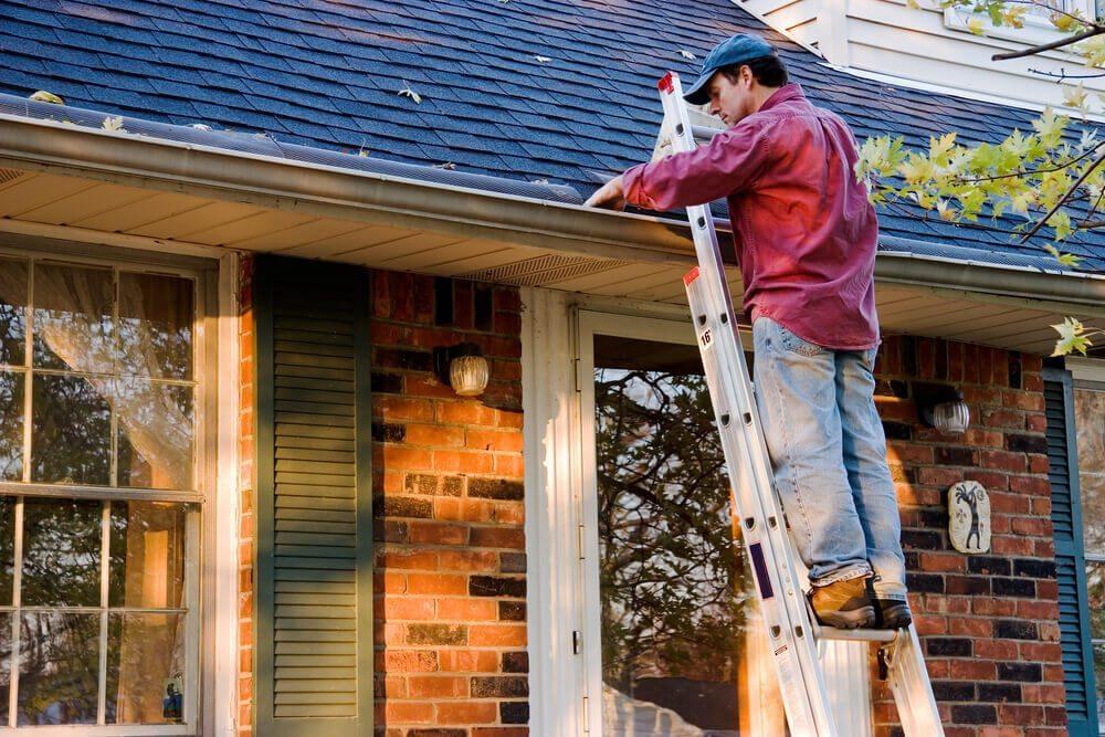 Eine Grundvoraussetzung, die jede Steighilfe erfüllen muss, ist die ausreichende Stabilität. (Bild: © Greg McGill - shutterstock.com)