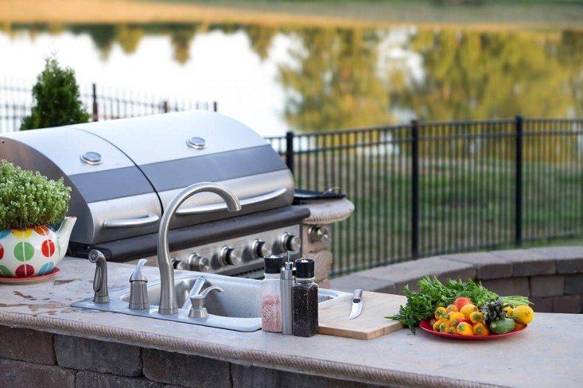 Die Zeiten, in denen der Koch mehr Zeit drinnen als draussen verbrachte, sind damit endgültig vorbei. (Bild: © oocoskun - fotolia.com)