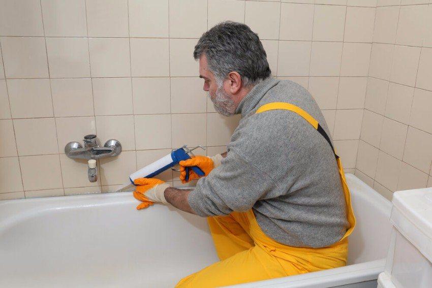 Silikon ist perfekt für Bad und Küche, wenn es richtig verarbeitet wird. (Bild: © sima - shutterstock.com)