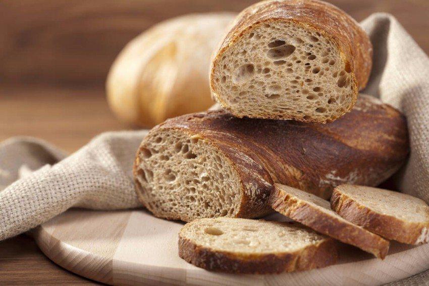 Brot hält sich bis zu zehn Tage in einem luftdicht verschlossenen Behälter. (Bild: © gkrphoto - shutterstock.com)