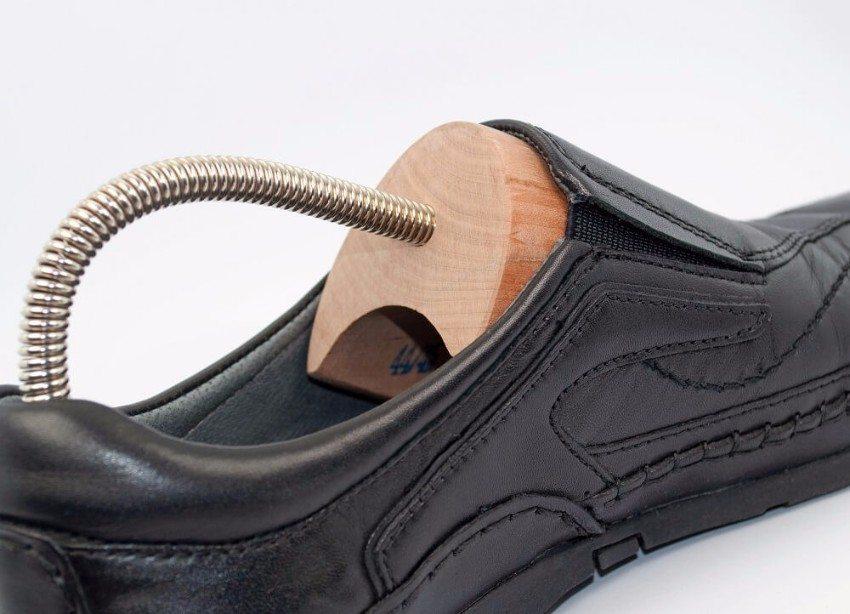 Zu jedem guten Paar Schuhe gehört ein Paar passender Schuhspanner. (Bild: © M. Schuppich - fotolia.com)
