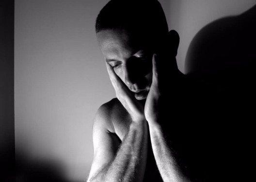 Bei rund jedem fünften Mitteleuropäer löst die winterliche Unterbelichtung eine Depression aus. (Bild: © smikeymikey1 - shutterstock.com)