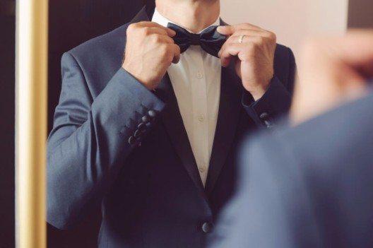 Es sind die grossen Anlässe im Leben, die eine offizielle Kleidung des Herrn erfordern. (Bild: © Andrei Zveaghintev - shutterstock.com)