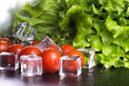 Blattsalate erschlaffen bei Hitze besonders schnell. (Bild: © Strannik_fox - shutterstock.com)
