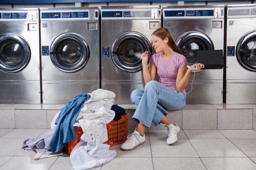 In einem schön dekorierten Waschsalon fühlt man sich wohl. (Bild: © Tyler Olson - shutterstock.com)28