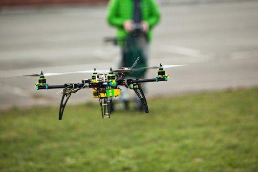 Spielzeug-Drohnen liegen im Trend. (Bild: Ahturner- Shutterstock.com)