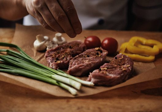 Frei nach dem Motto: Fleisch ist mein Gemüse. (Bild: © Stasique - shutterstock.com)