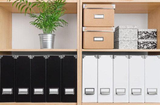 Boxen gibt es in verschiedenen Farben, Mustern, Materialien und Grössen. (Bild: © GoodMood Photo - shutterstock.com)