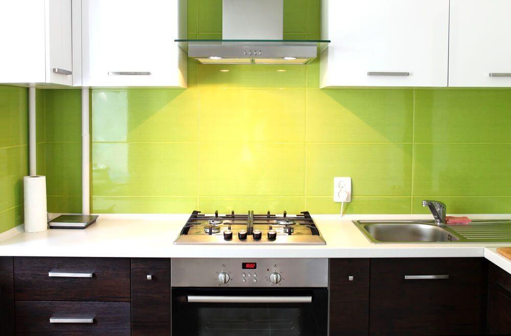 Küche in grün streichen: wandgestaltung in streifen wände im ...