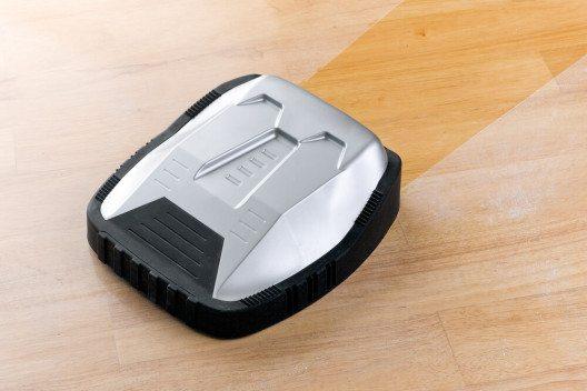 Automatisch rein wird es mit einem Saugroboter. (Bild: © John Kasawa - shutterstock.com)