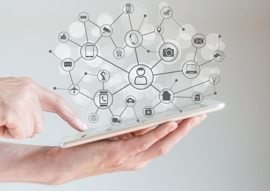 Die Vernetzung unserer Geräte über so genannte Powerline-Systeme. (Bild: © a-image - shutterstock.com)