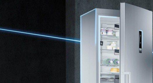 Was befindet sich derzeit im smarten Kühlschrank? Mit zwei in das Wi-Fi-fähige Kältegerät integrierten Hochleistungskameras hat man seine aktuellen Vorräte von jedem Ort aus sofort im Blick.