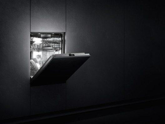 Das Beleuchtungskonzept der Geschirrspüler-Serie 400 von Gaggenau ist eine Weltneuheit.
