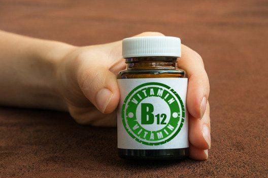 Vitamin B12 (Bild: andriano.cz – Shutterstock.com)