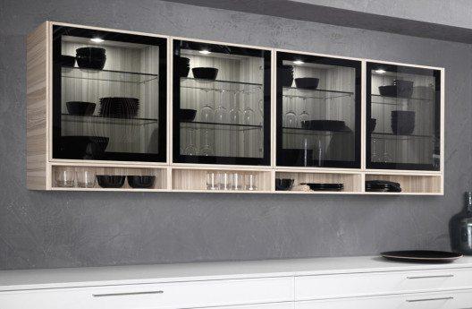 Horizontale Lösung in Form eines eleganten Mixes von breiten und schmalen, offenen und geschlossenen Elementen. (Bild: rational, Modell cadre)