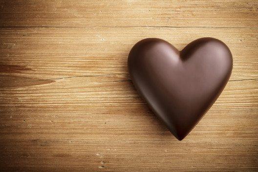 Schokolade wirkt als Seelentröster und Muntermacher. (Bild: Vitaly Korovin - shutterstock.com)