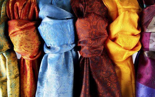 Seide (Bild: oytun karadayi – istockphoto.com)