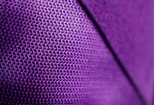 Polyester (Bild: caracterdesign – istockphoto.com)