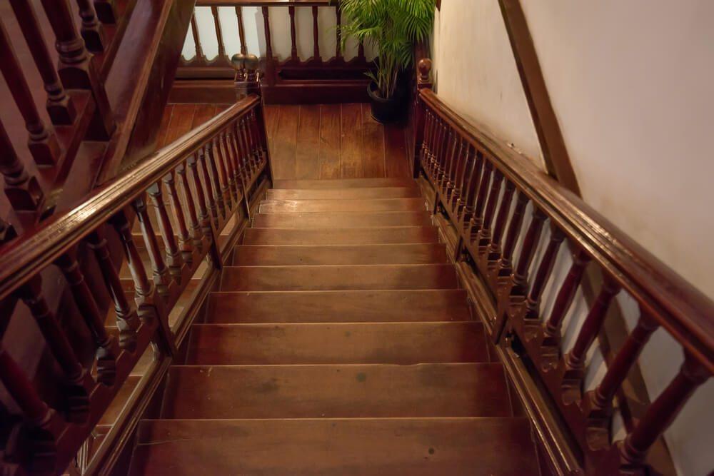 Holz vermittelt wohnliches Flair. (Bild: Yakov Oskanov - shutterstock.com)