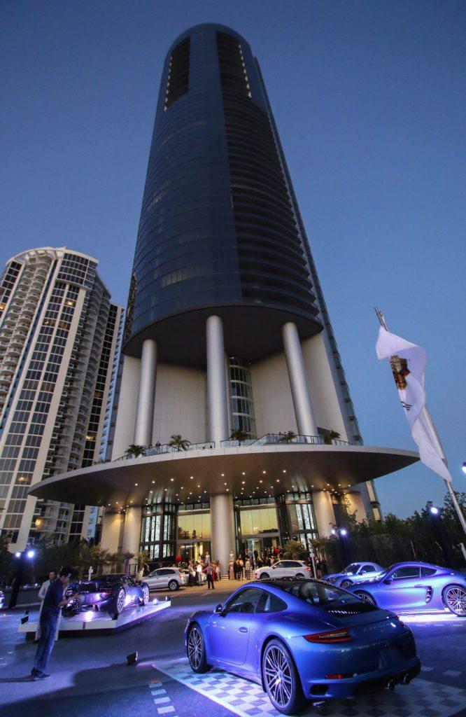 Aussenansicht des Porsche Design Towers (Bild: John Parra/Gettyimages für Porsche Design)