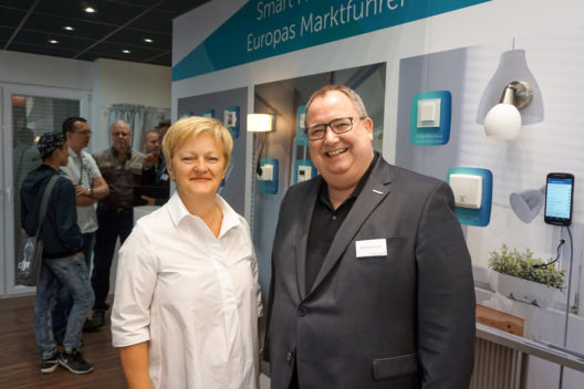 Prominenter Besuch am IFA-Messestand: Renate Künast informierte sich direkt am Stand von eQ-3 zu den neuesten Entwicklungen im Bereich Smart Home.