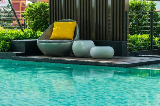 Eine Solar-Poolheizung verheisst Badevergnügen nicht nur im Sommer. (Bild: WorldWide - shutterstock.com)
