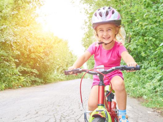 Fahrradhelm: airpop® schützt im Alltag zuverlässig. Als Polster in Fahrradhelmen verringert es beispielsweise das Risiko für Kopfverletzungen enorm. (Bildquelle: fotolia/ volkovslava)