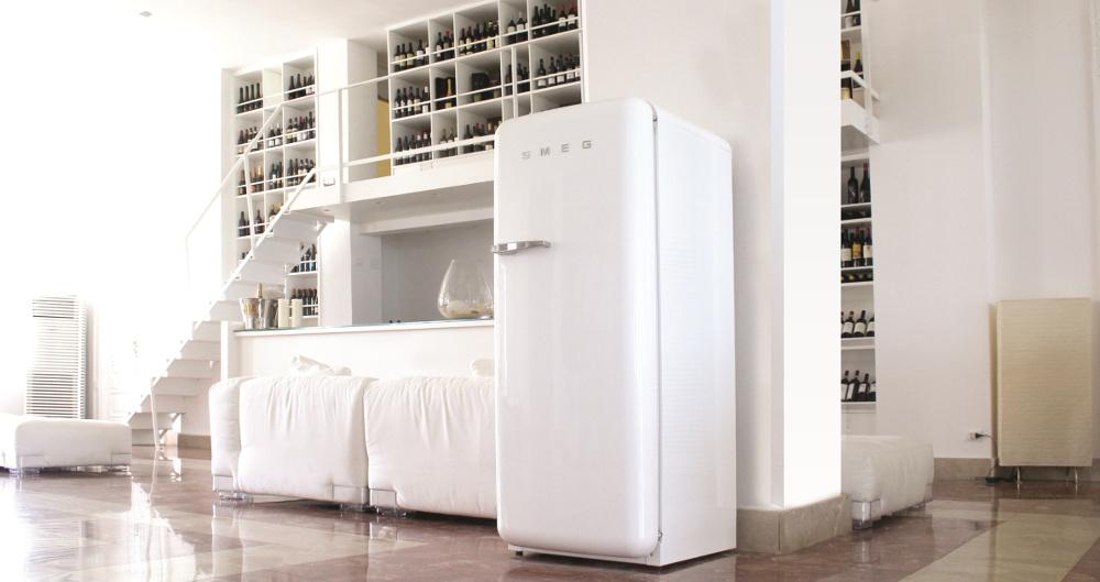 Smeg Kühlschrank Gefrierkombi : Er jahre kühlschränke von smeg erhalten ein neues innenleben