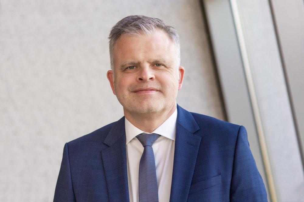 Dirk Lange, 50, leitet seit dem 1. Januar 2020 als Managing Director die Central Europe Region des Multitechnologieunternehmens 3M. (Bild: obs/3M Deutschland GmbH/3M/Hanna Witte)